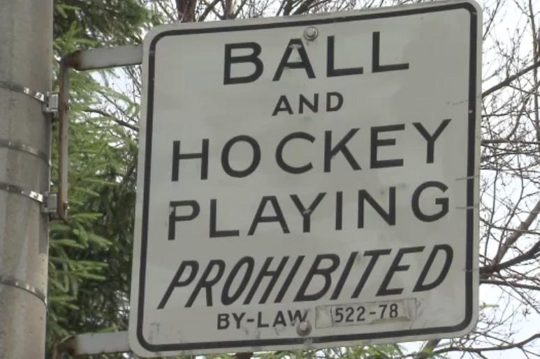 Toronto bylaw sign, May 18, 2011. CITYNEWS.