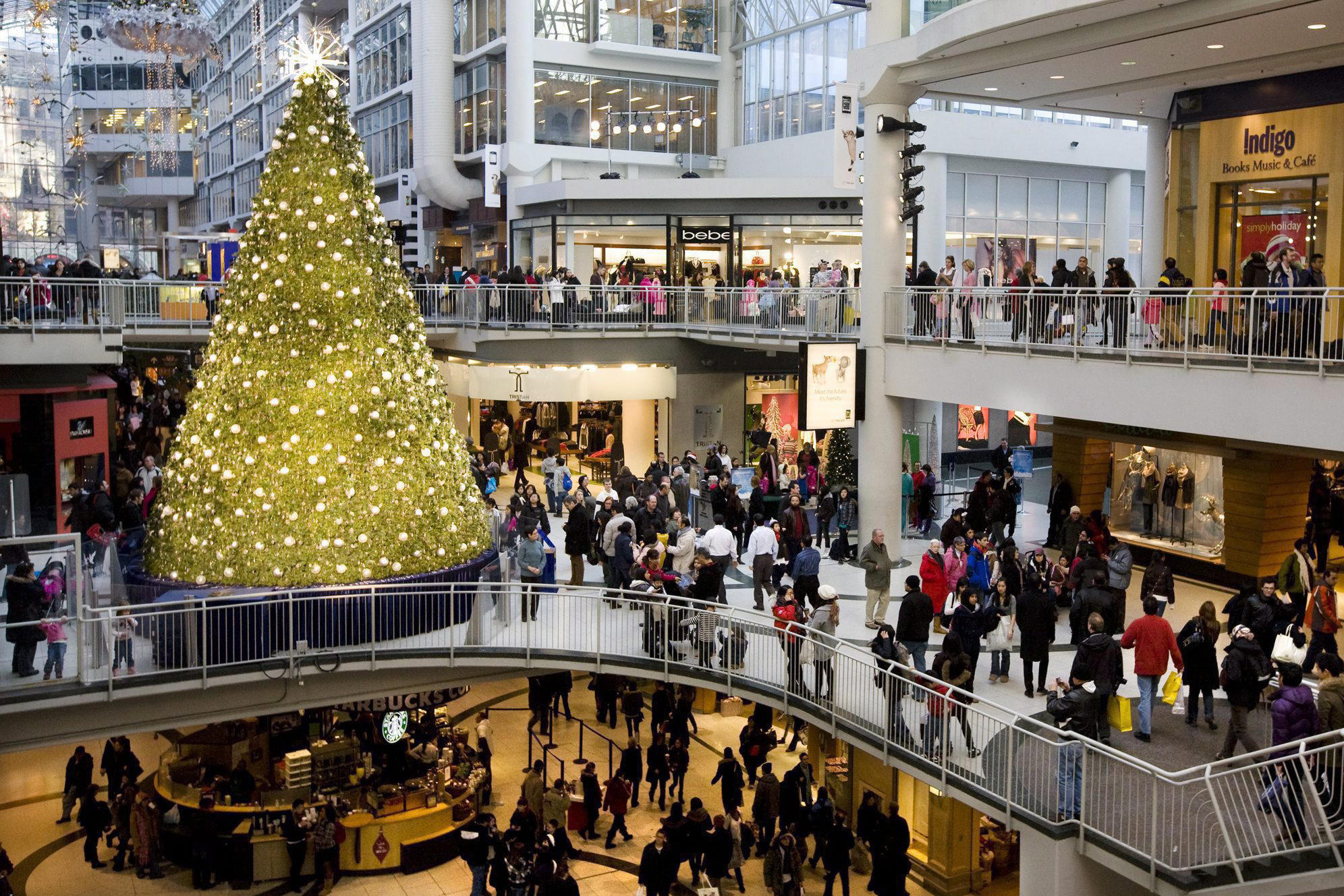 christmas eve crowds at stores not as bad as expected - What Time Does The Mall Close On Christmas Eve