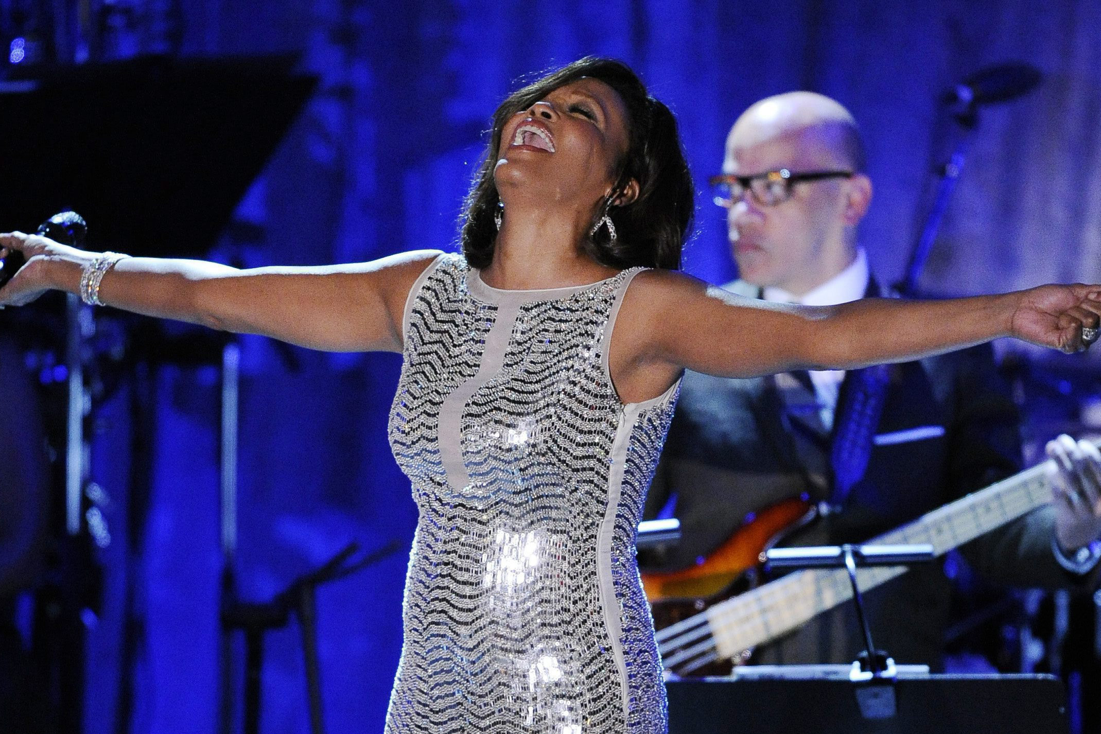 Tributes pour in for late singer Whitney Houston