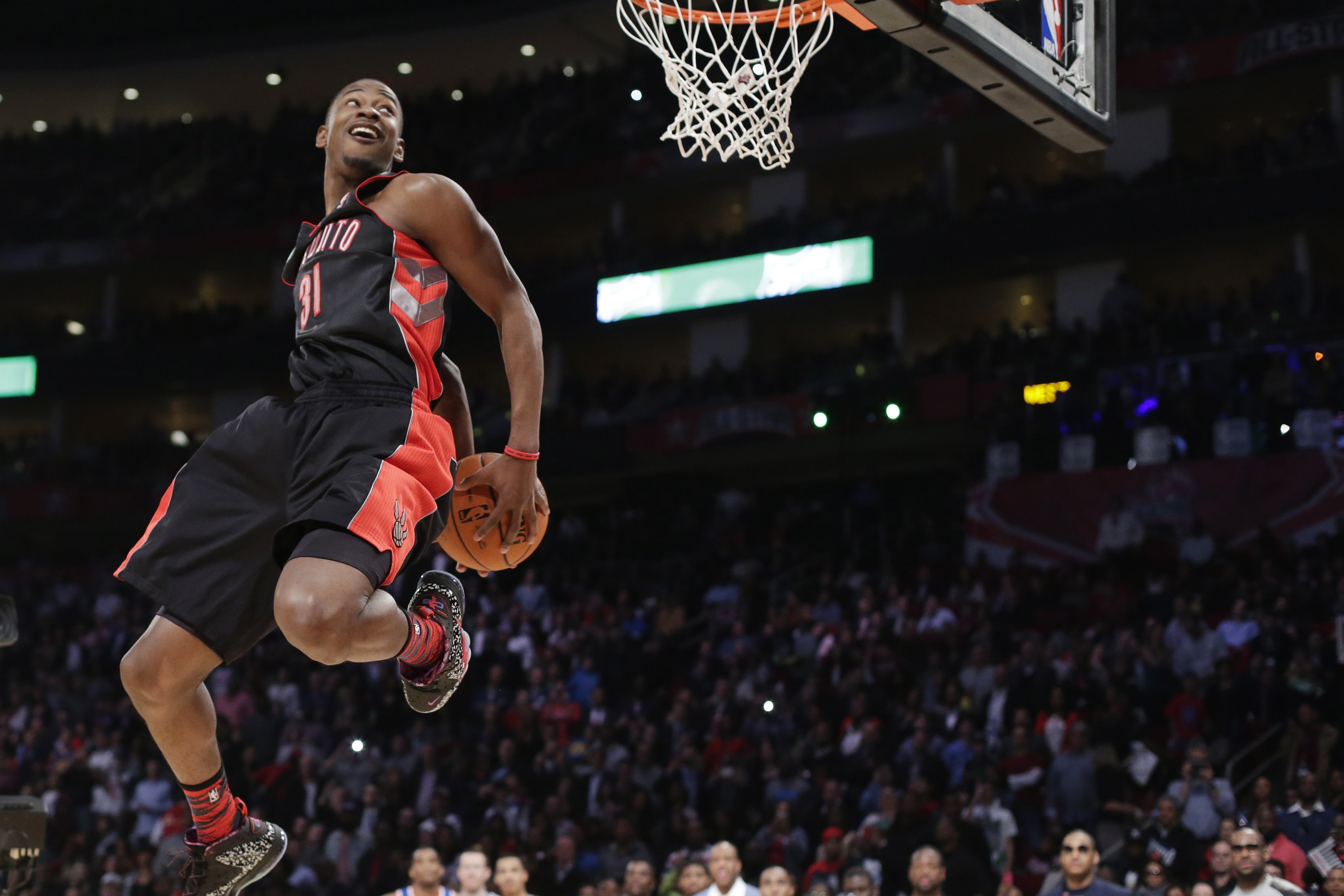 Raptors rookie Terrence Ross wins slam dunk contest - CityNews