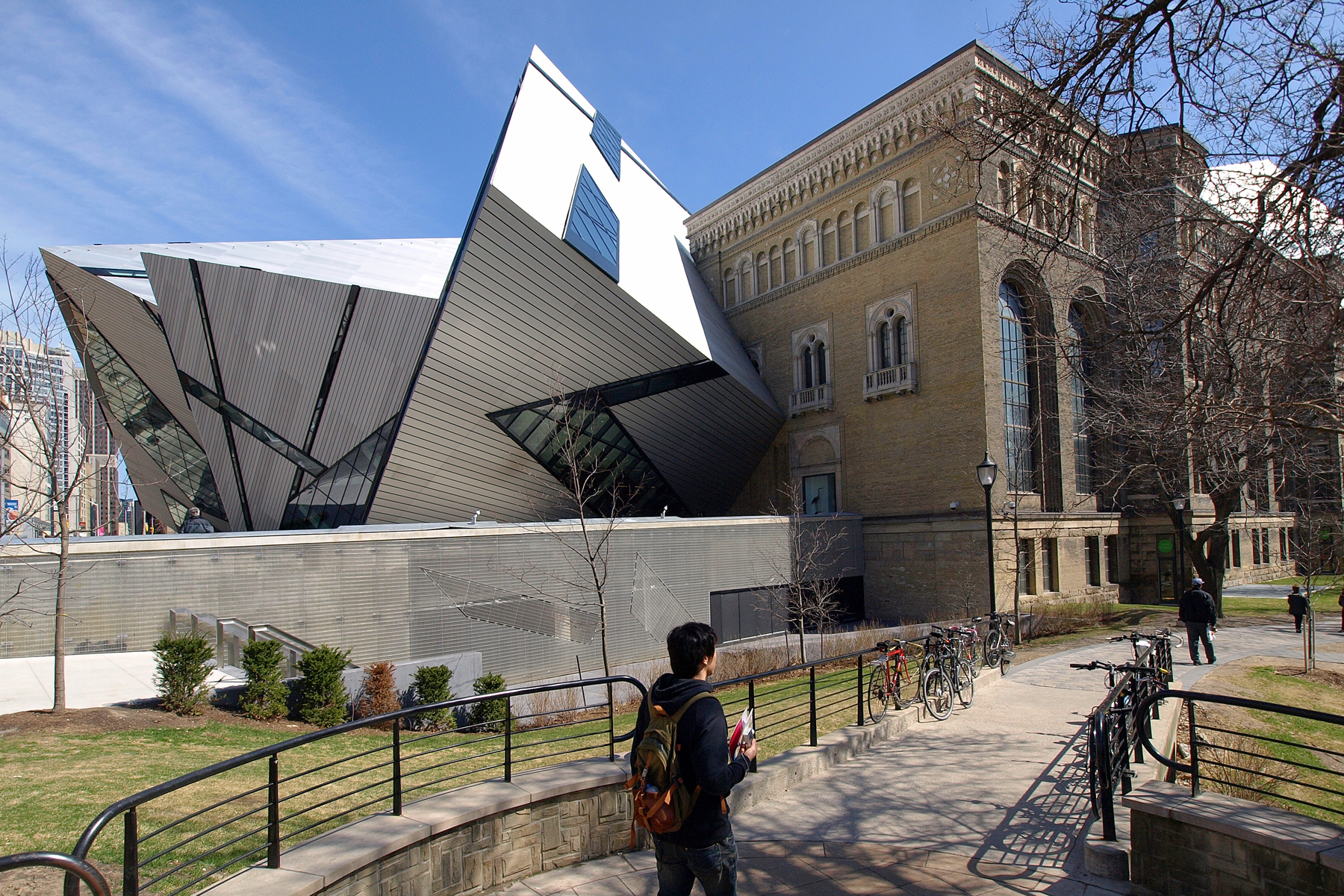 The original Royal Ontario Museum and the Michael Lee-Chin Crystal are shown in an undated file photo. HANDOUT/Tourism Toronto/Doug Brown.
