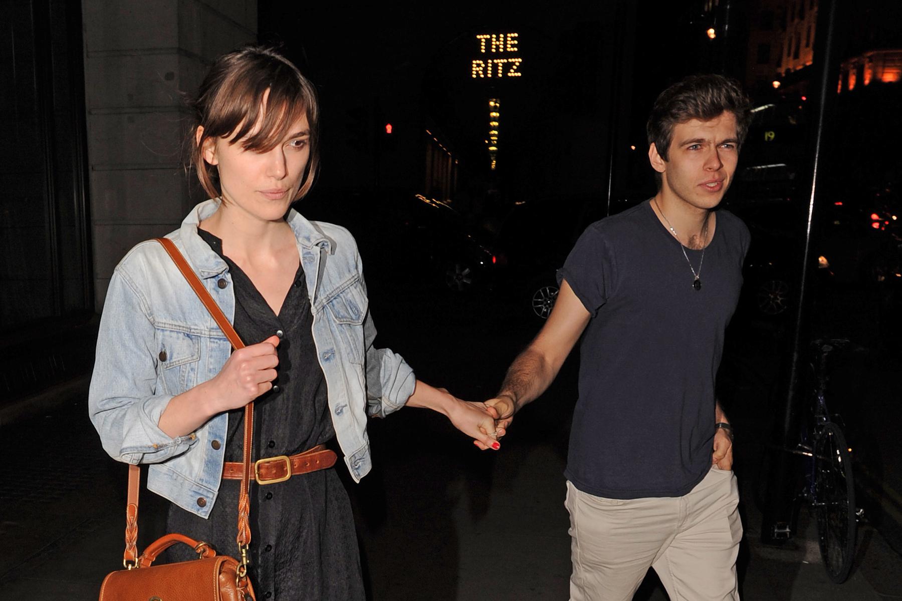 Keira Knightley And Boyfriend 2013 Keira Knightley weds r...