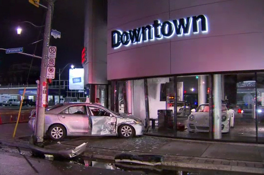Car Dealers Toronto >> Car Crashes Into Porsche Dealership