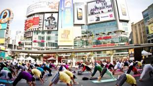 Photo of 2012 Yogathonat Yonge-Dundas Square. Courtesy: yogathoncanada.org