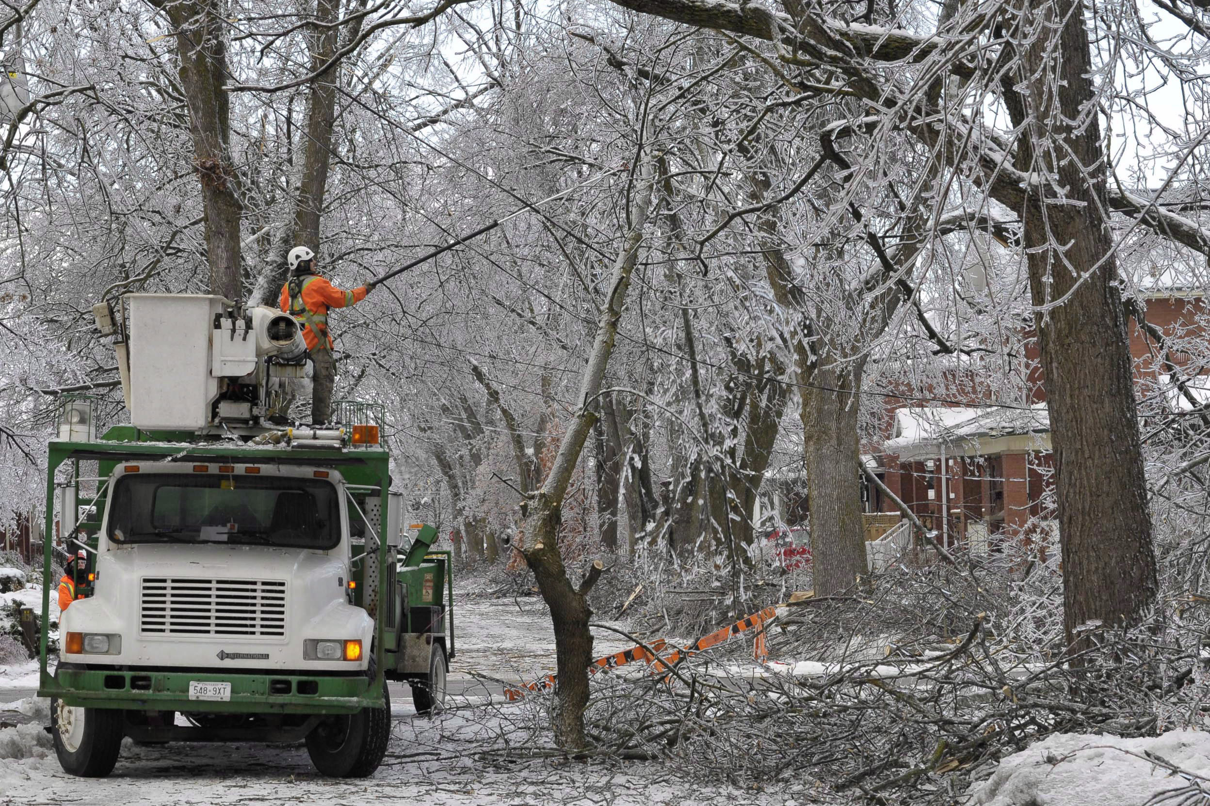 VIDEO: A look back at the 2013 ice storm in Toronto & GTA ...