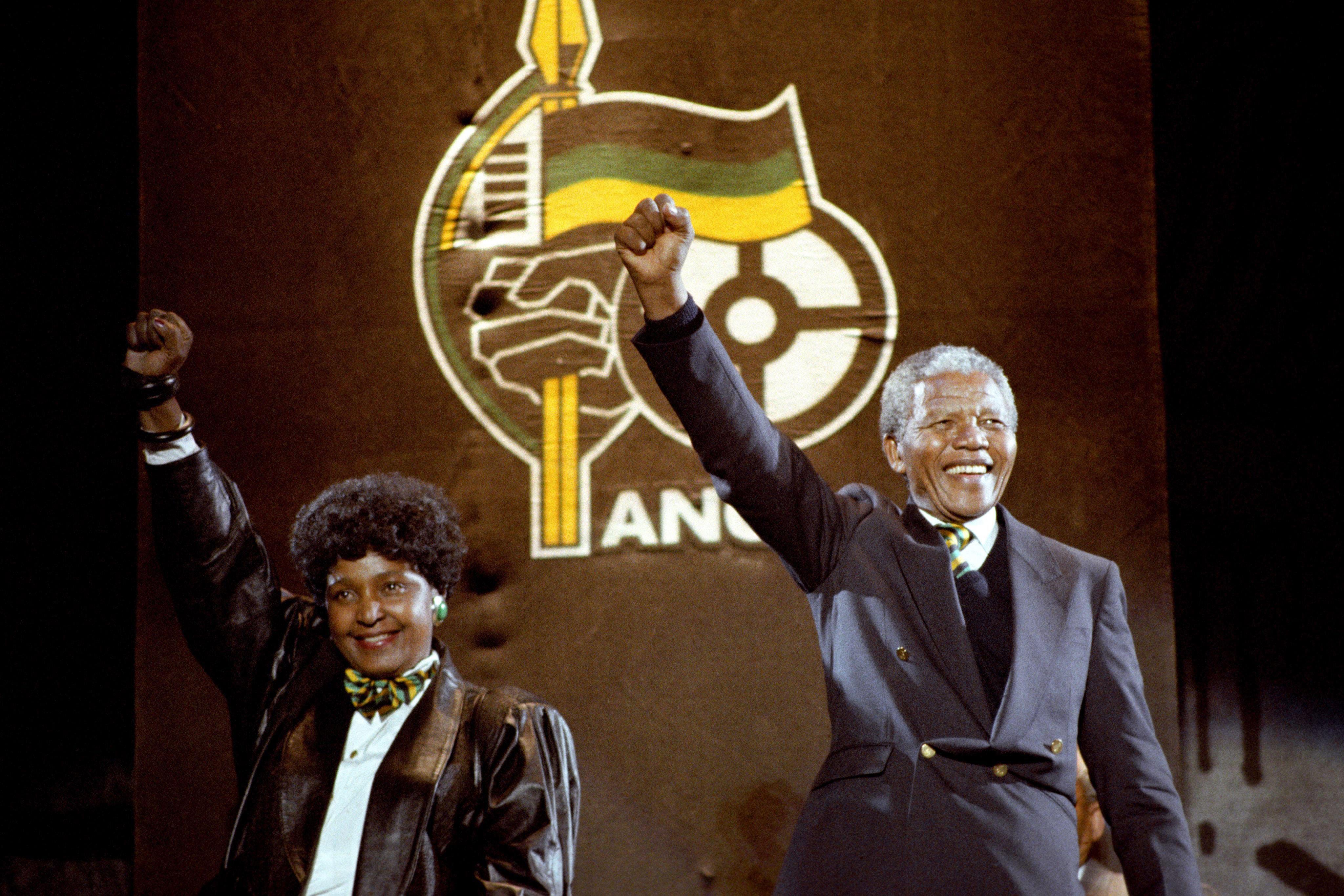 U of T students plan candlelight vigil in Mandela's honour ...
