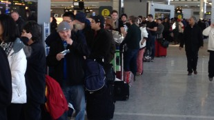 Lineups at Pearson International Airport on Jan. 7, 2014. CITYNEWS.