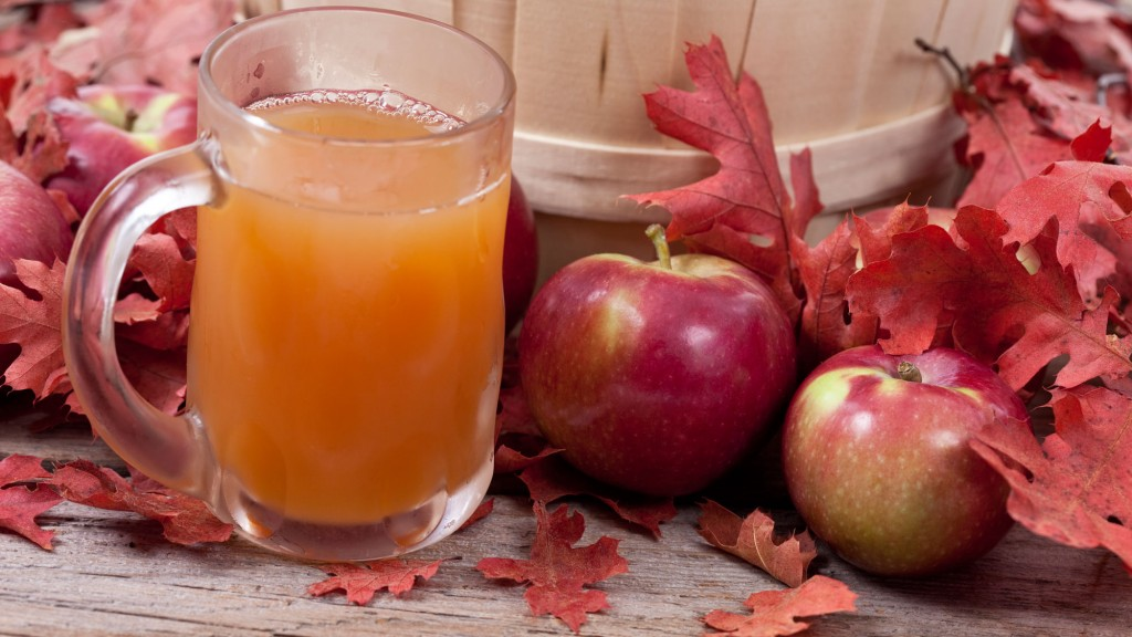 MacIntosh apples and cider. GETTY IMAGES/Jan Tyler