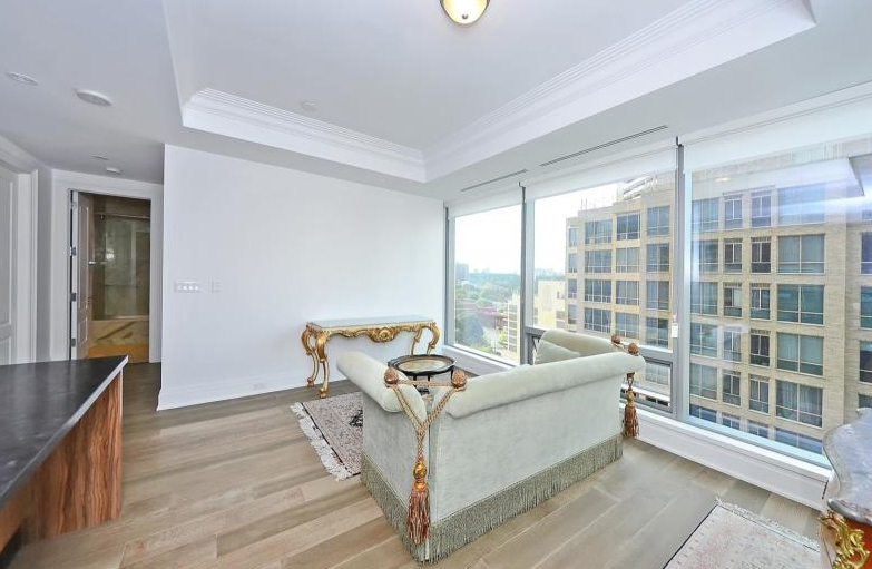 Unit 1102 at 55 Scollard is on the market for $998,000. BARSAM PROFESSIONALS REAL ESTATE LTD.