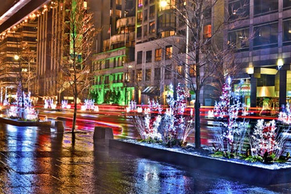 Christmas lights in Bloor-Yorkville. Photo via bloor-yorkville.com.