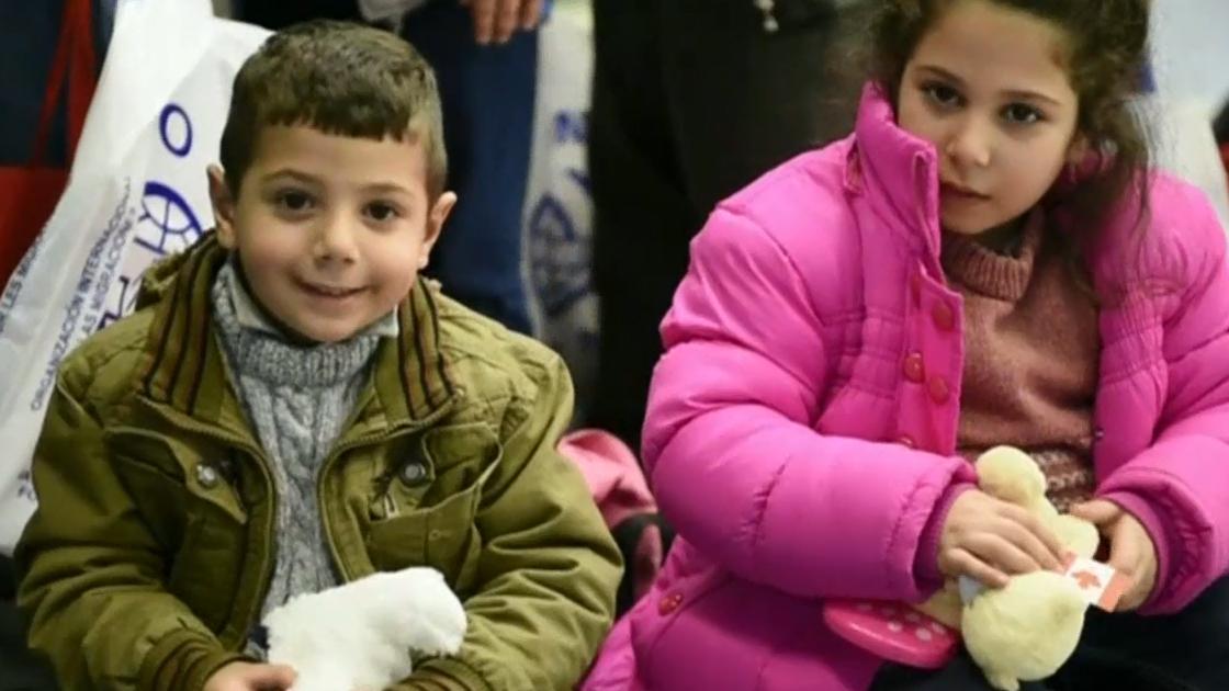 refugeesarrival01
