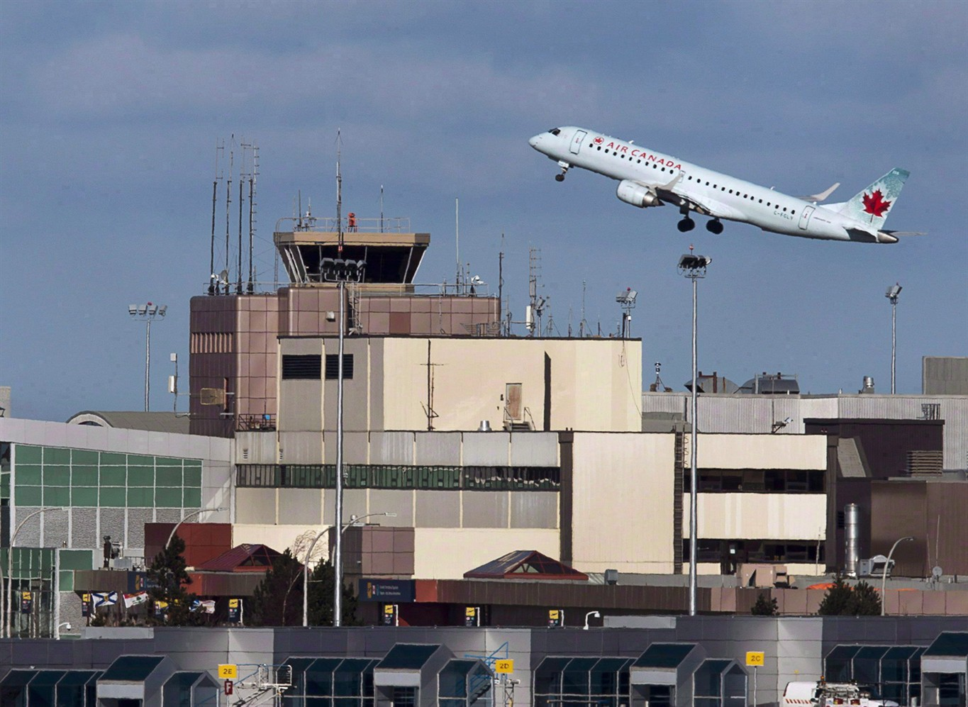 Air Canada has reached a tentative agreement with 7,500 union members