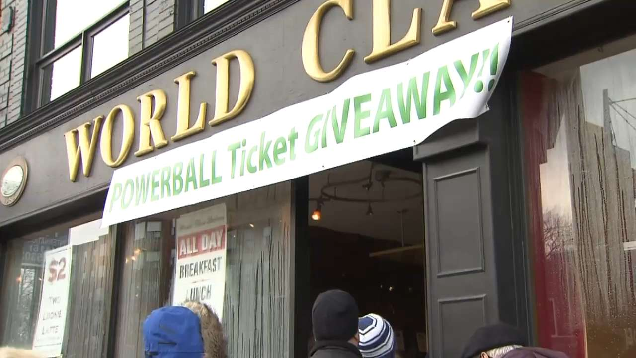 Video: Toronto bakery offers free Powerball ticket with $20