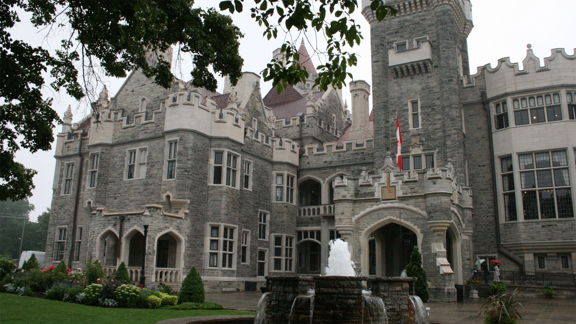Casa Loma in Toronto. Photo via Wikipedia/Creative Commons/Maria Carmen.