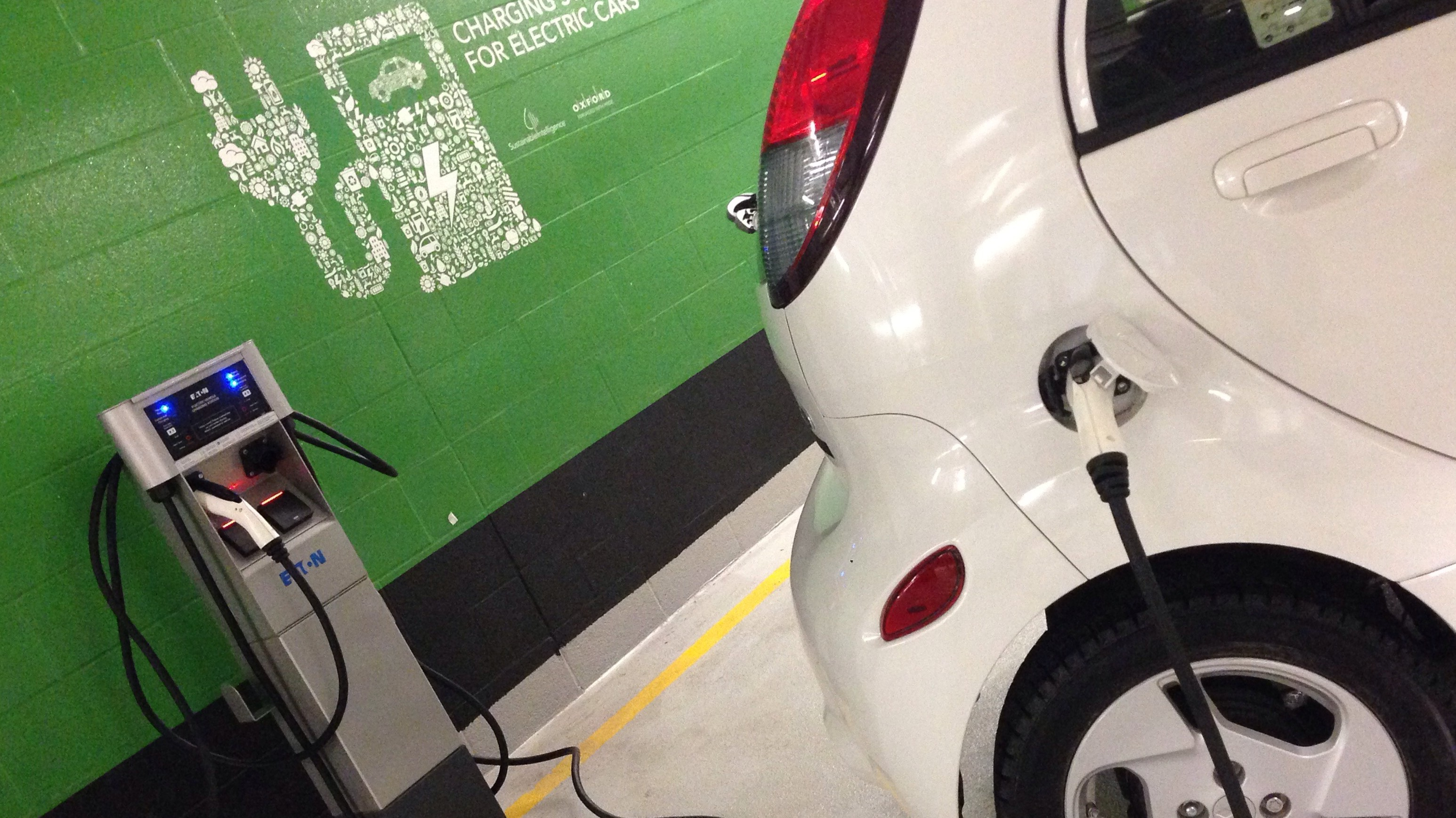 Ontario Offering In Incentives To People Who Buy Electric Cars