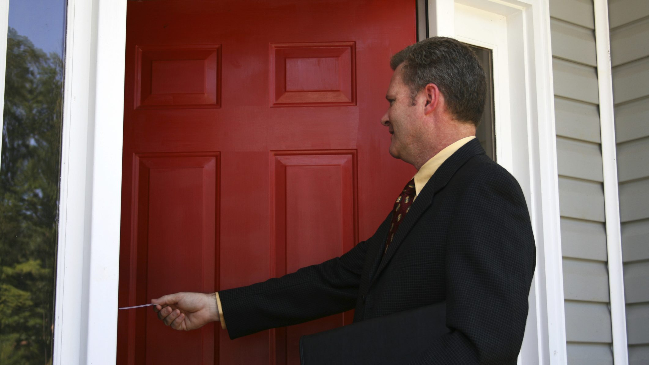 Ontario Bill Would Ban Some Door To Door Sales License