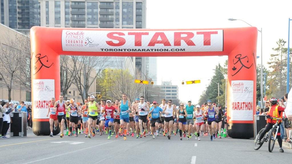 Runners taking part in the GoodLife Fitness Toronto Marathon. Photo via Twitter/@torontomarathon.
