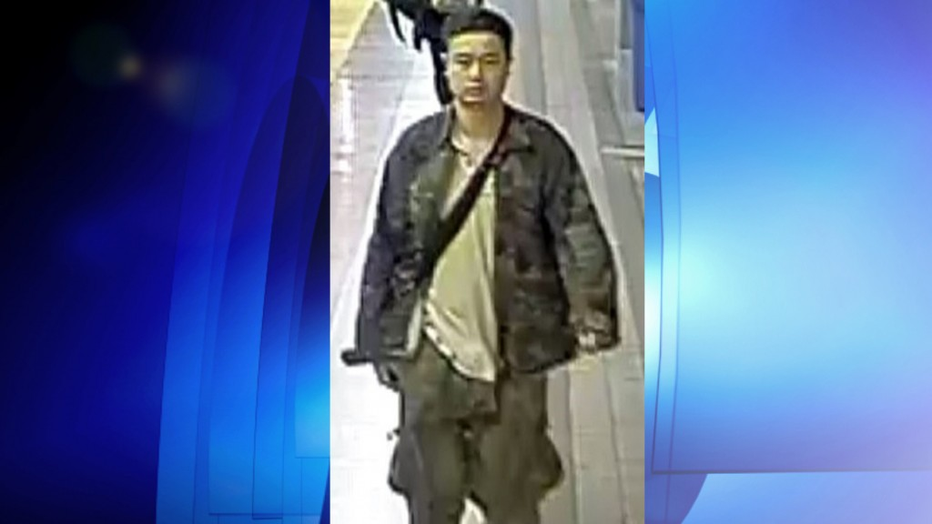 Security image of a suspect wanted in connection with a sexual assault on the TTC, May 13, 2016. TORONTO POLICE SERVICES/Handout