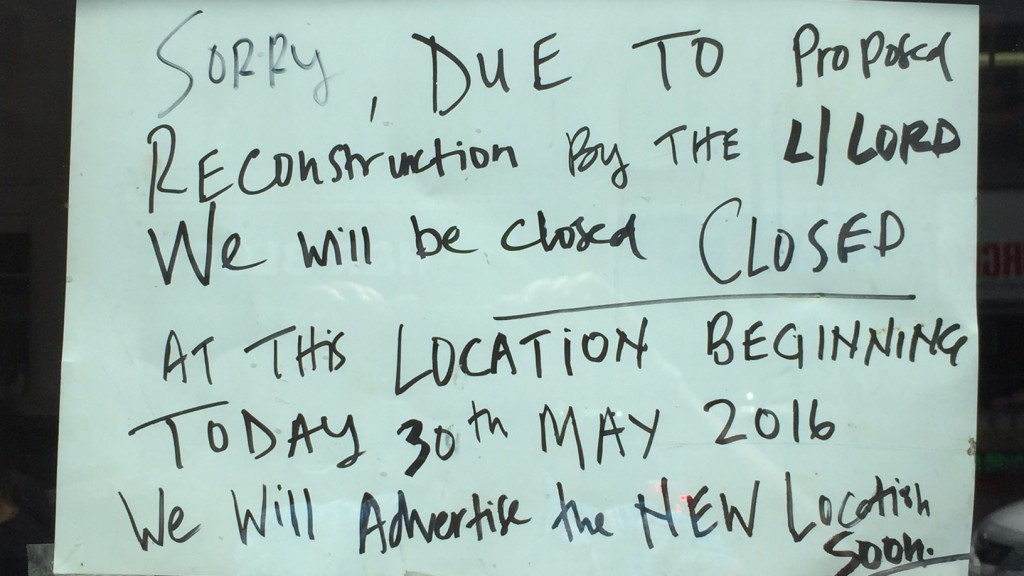 A note on the door of The Big Slice announces the restaurant's closure, May 30, 3016. CITYNEWS
