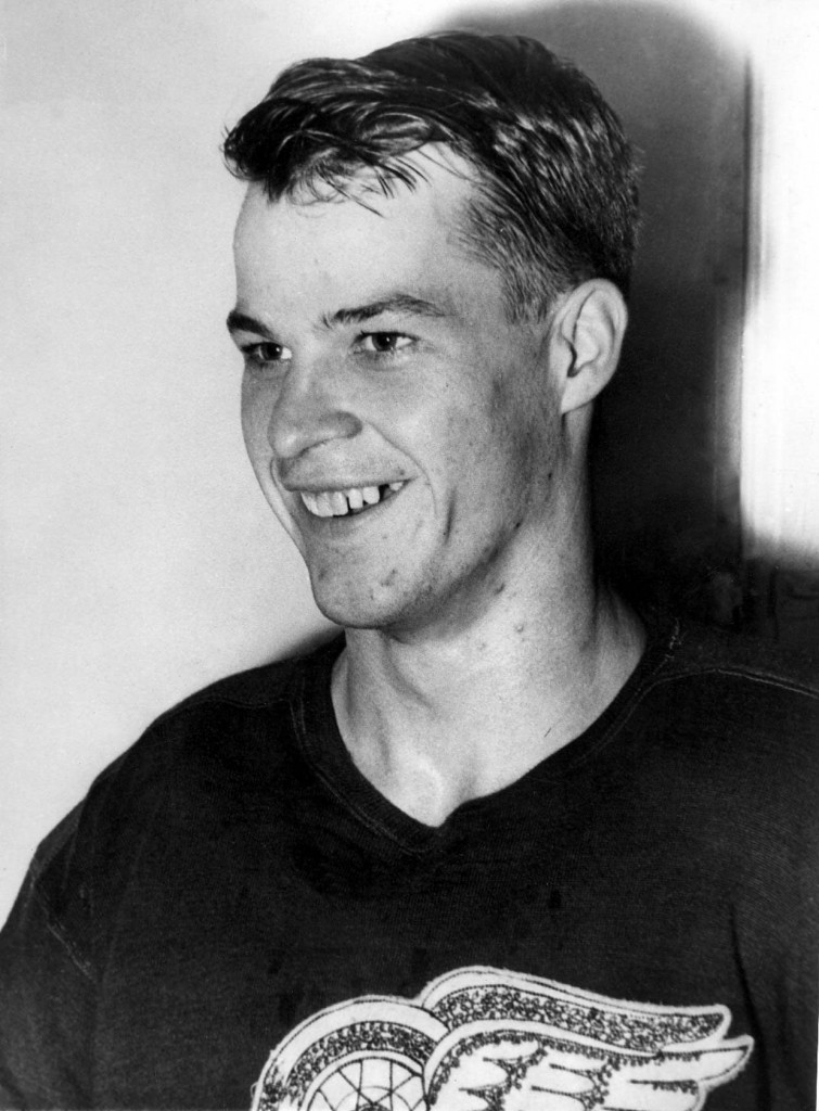 File photo of a young Detroit Red Wings' Gordie Howe. (AP PHOTO)
