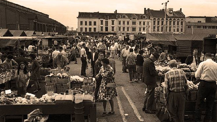 A busy Market Square in 1968. Photo via Facebook, St. Lawrence Market.