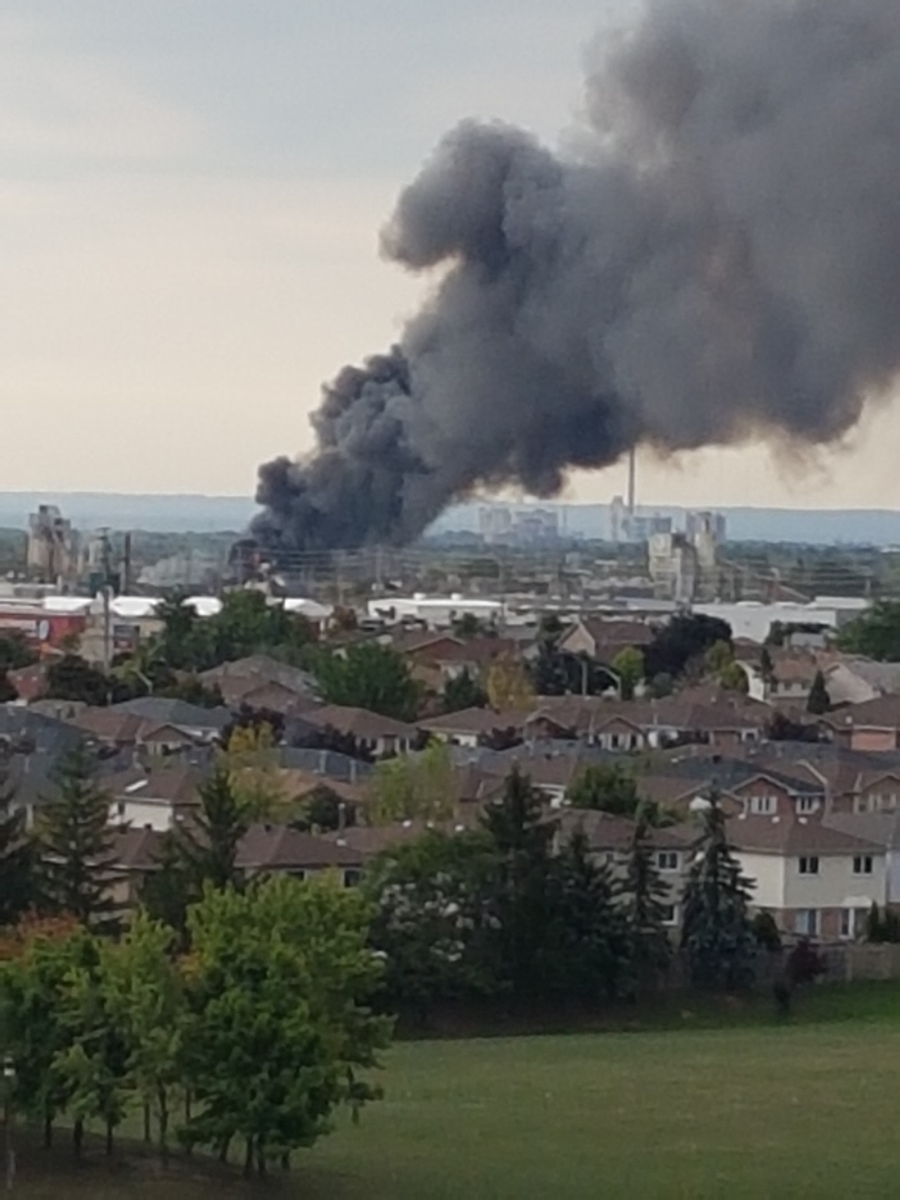 A fire broke out in a Mississauga auto scrapyard on Sept. 26, 2016 Photo courtesy Joe Cocci