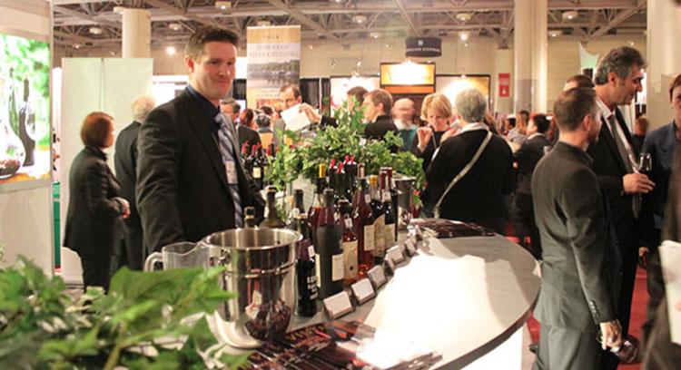 People gather at the Gourmet Food and Wine Expo. Photo via foodandwineexpo.ca.