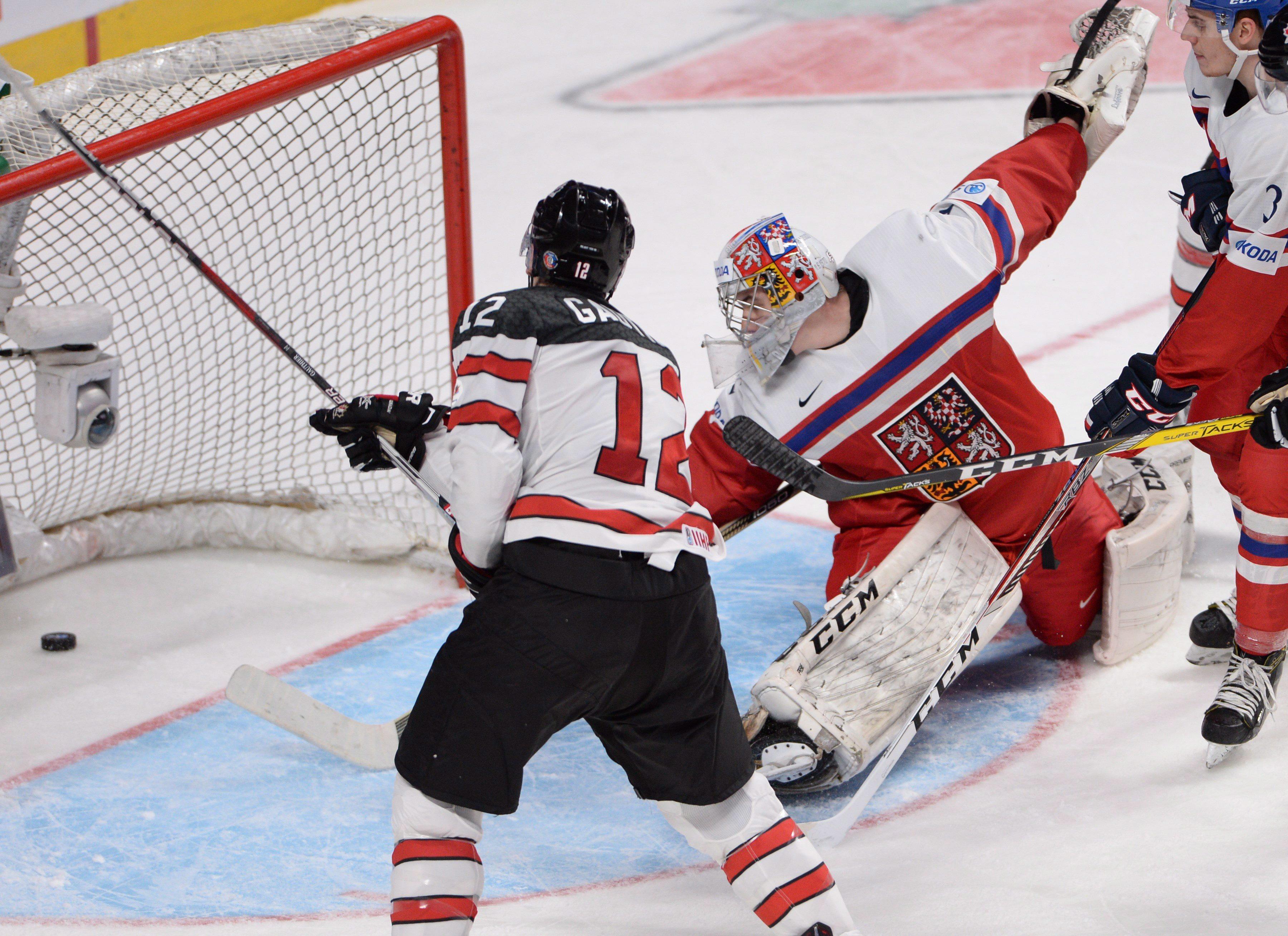 Canada Knocks Off Czechs To Reach World Junior Semifinals