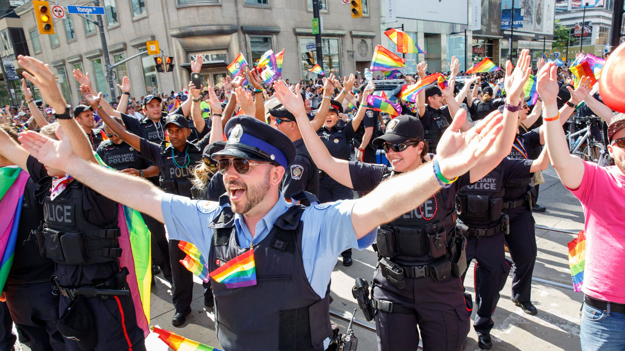 Vote held to ban Toronto police floats, marches from pride parade