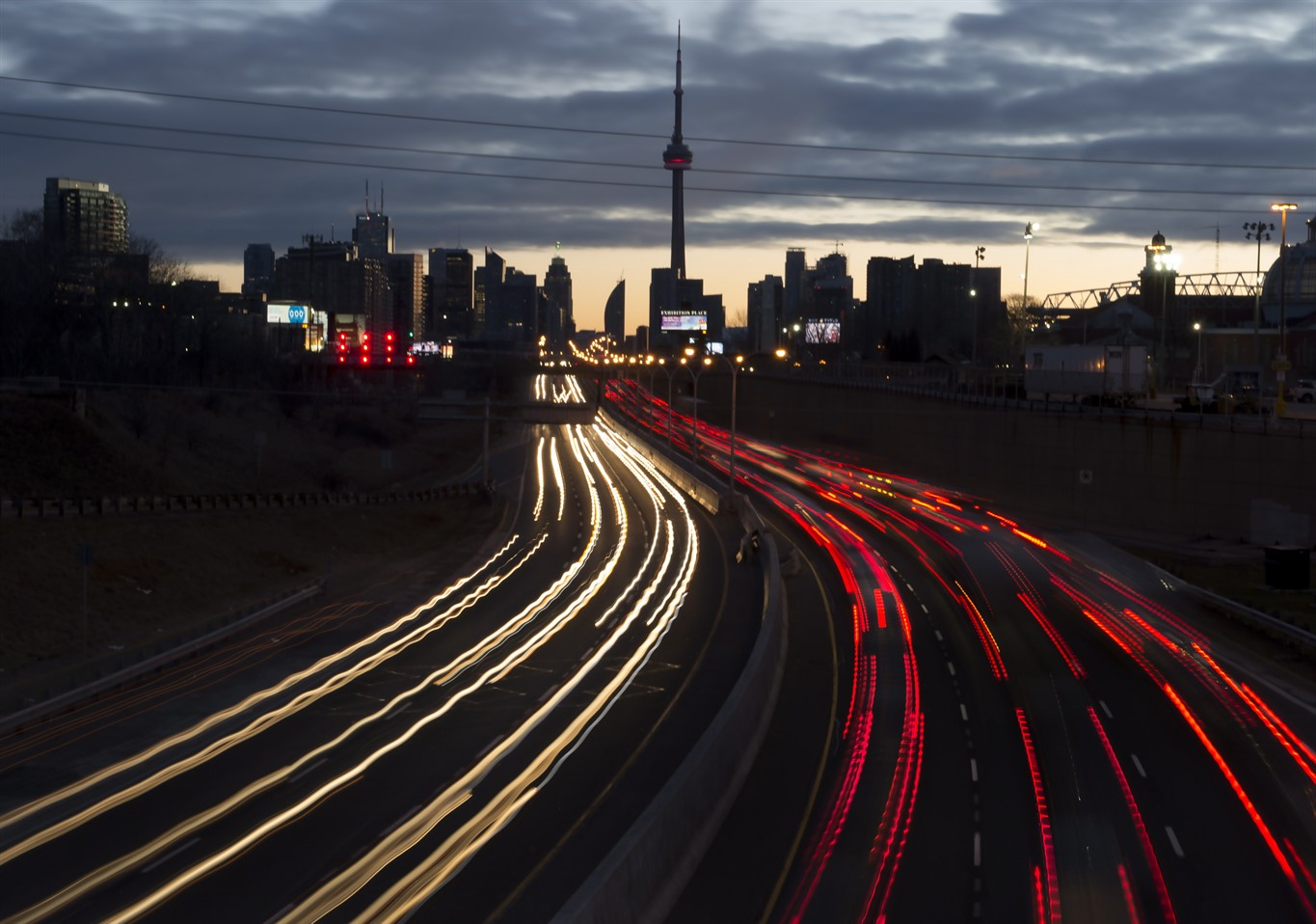 No new sources of revenue as Wynne rejects road tolls