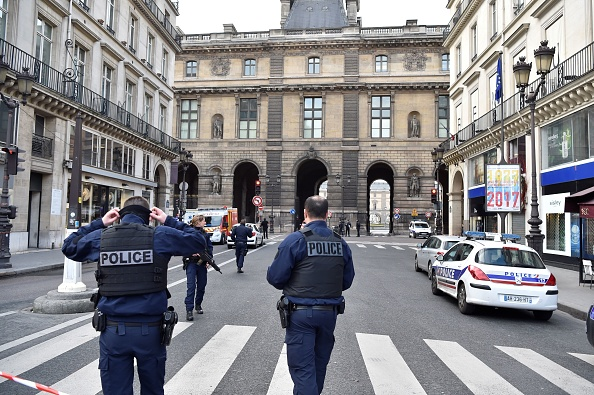 Soldier opens fire outside Louvre, Paris police say