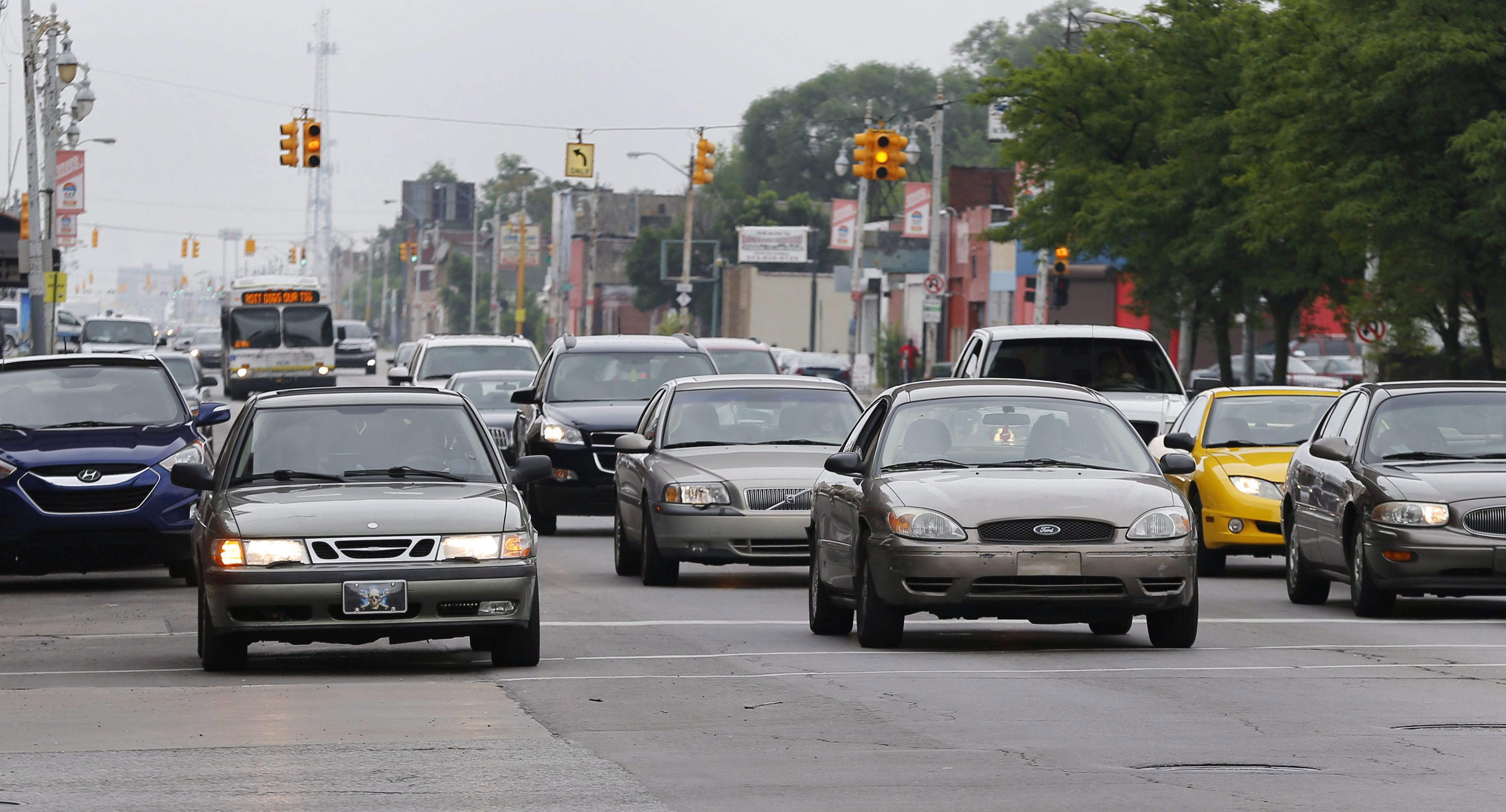 Ontario auto insurance rates increase as report slams system