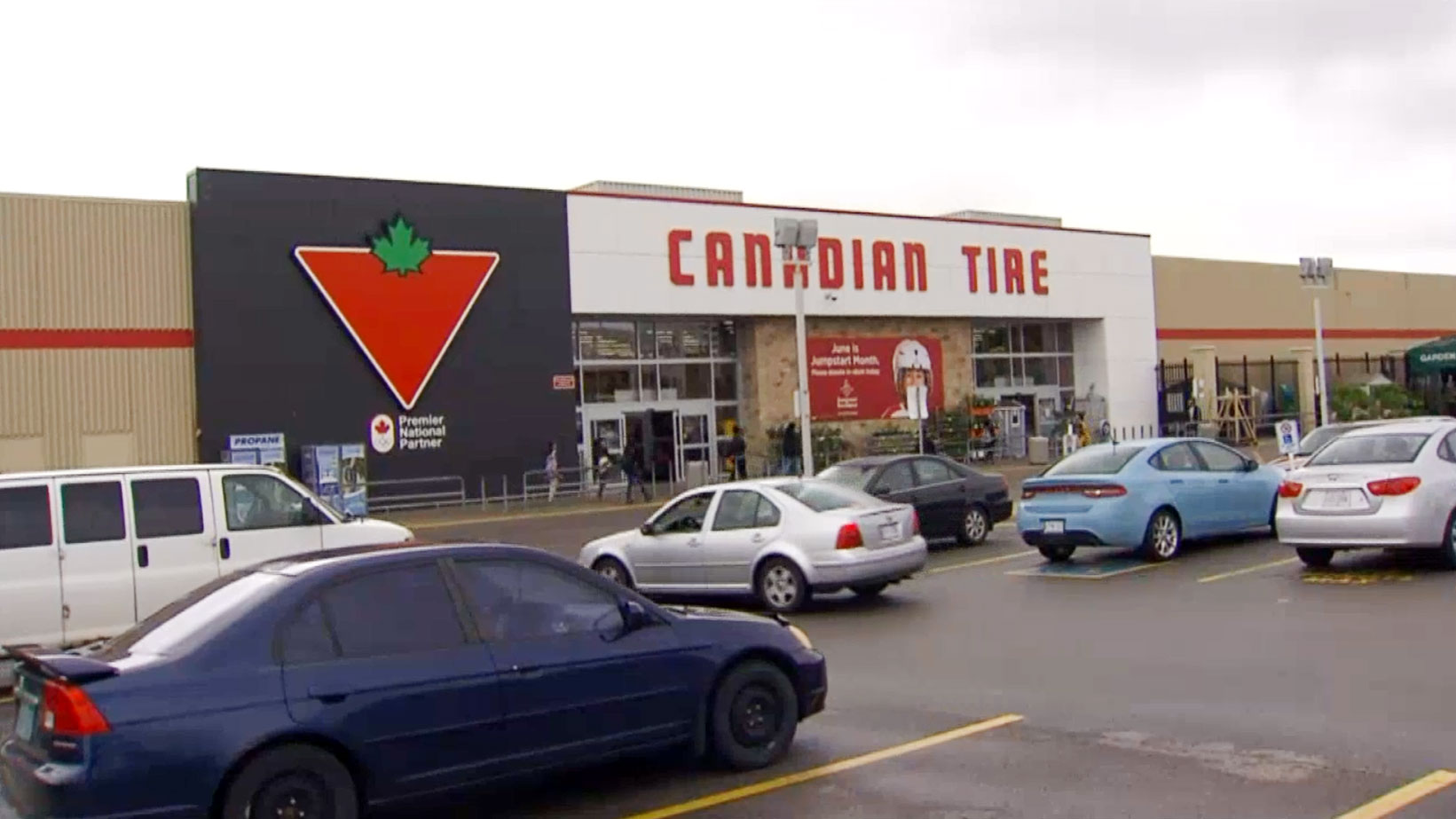 Woman accused of assault with golf club, knife at Canadian Tire