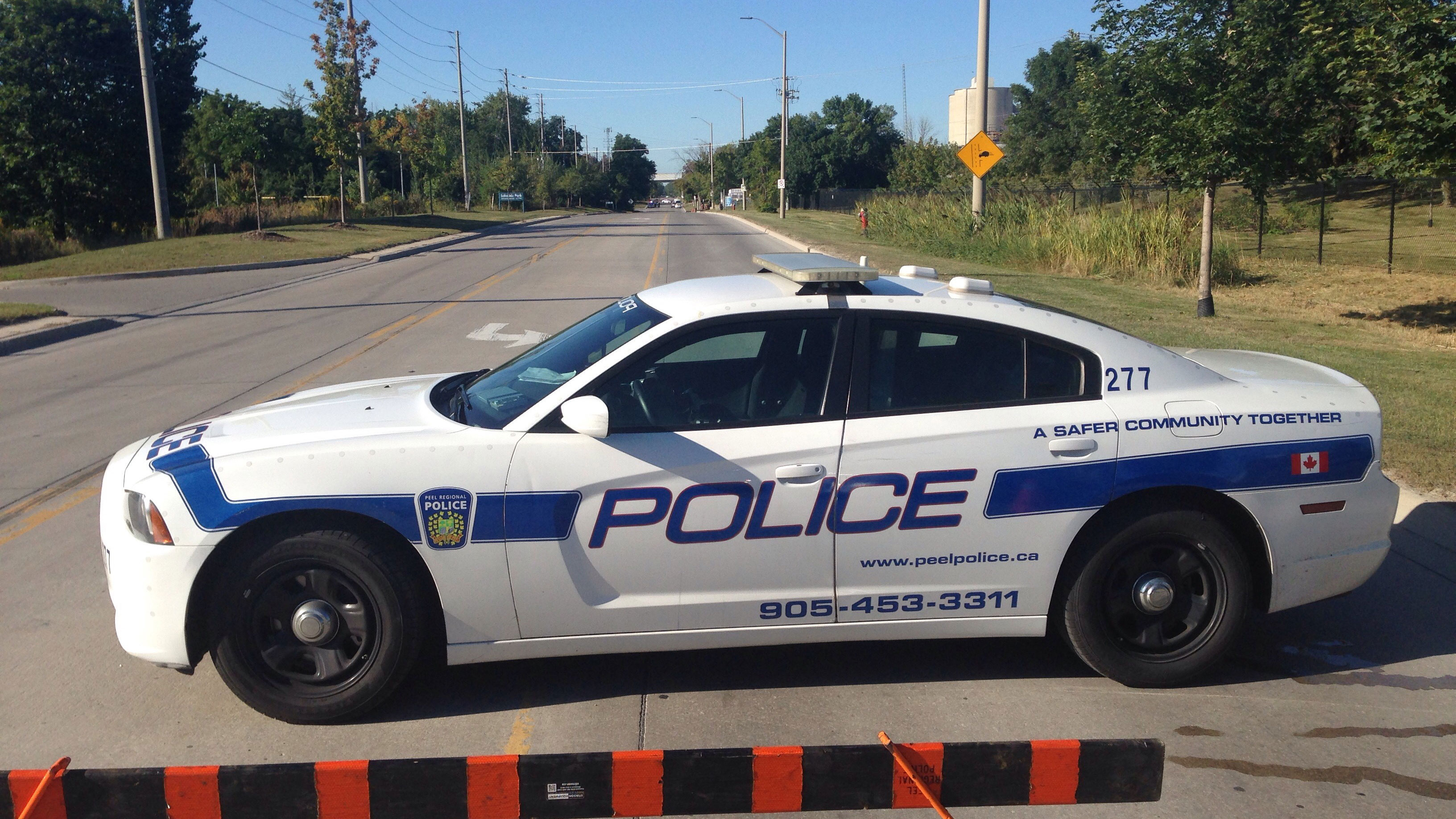 2 people dead after single-vehicle collision in Mississauga