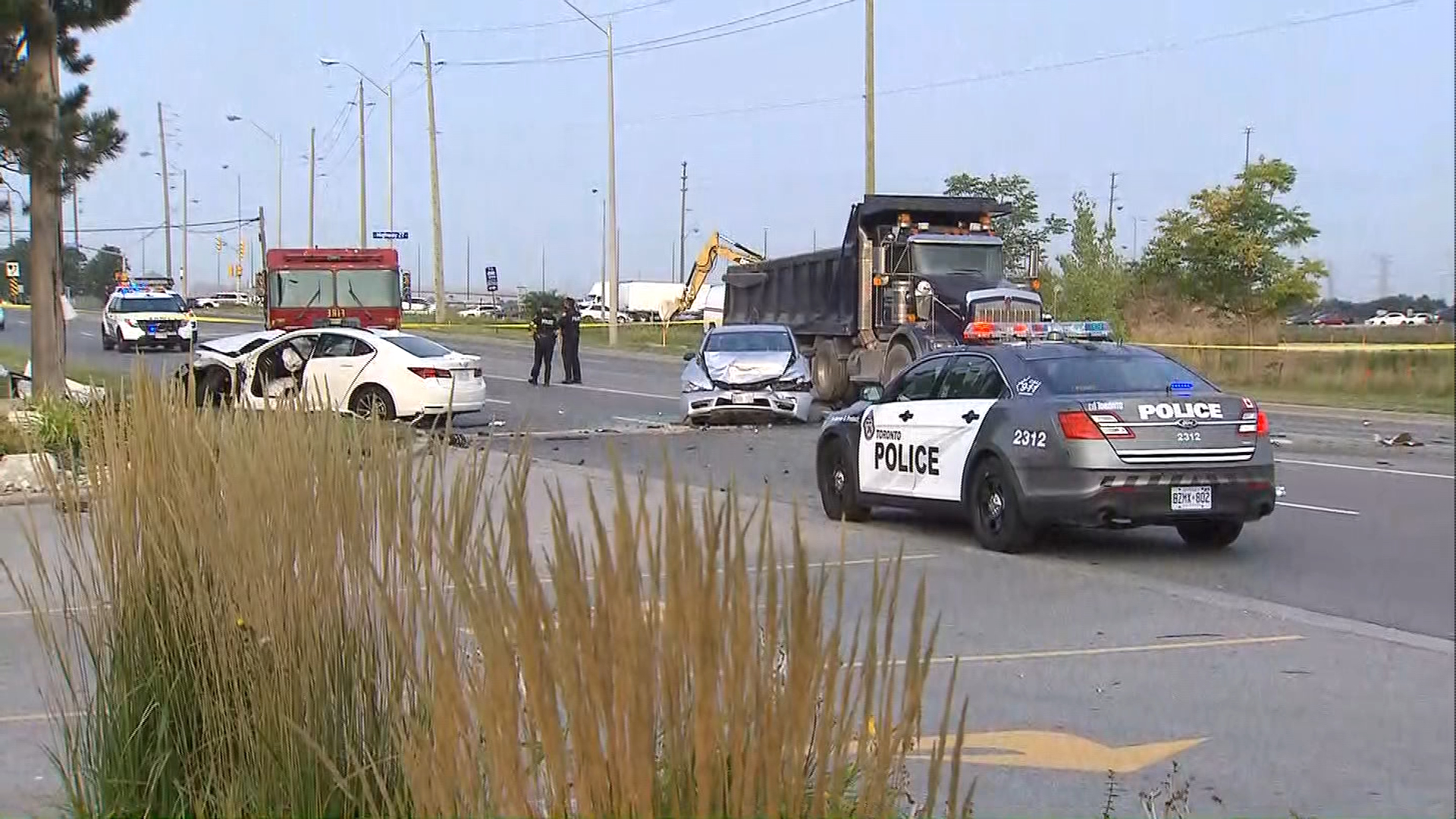 One dead after multi-vehicle crash near Vaughan
