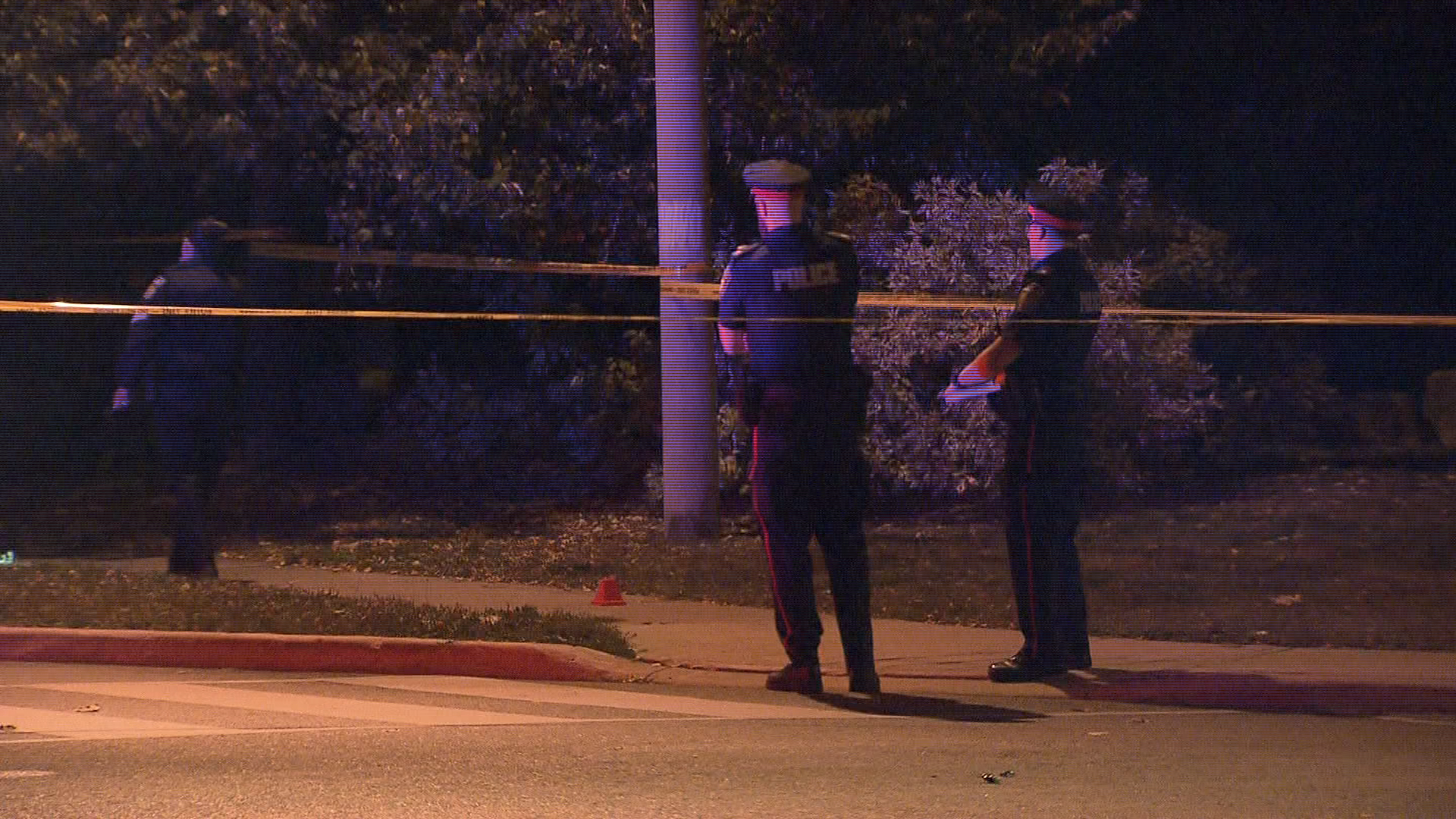 Stabbing in Brampton sends 3 people to hospital