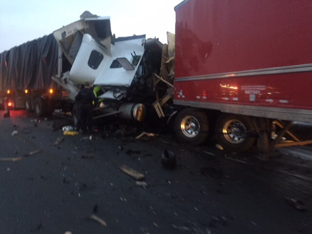 3-truck crash on Highway 401 leaves 1 driver dead
