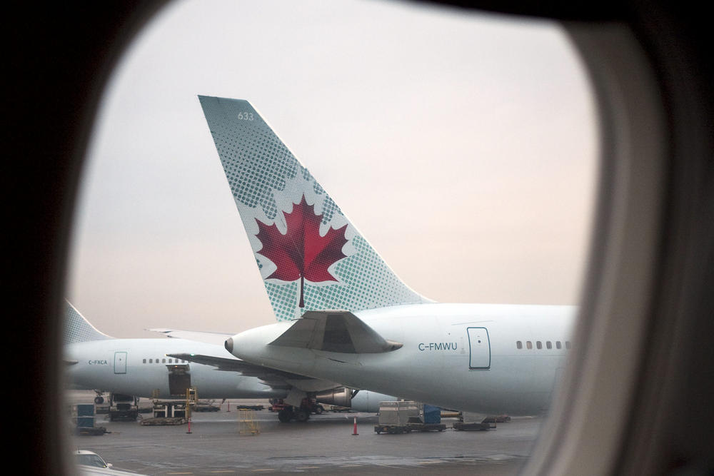 Air Canada says mobile app breach affects 20,000 customers