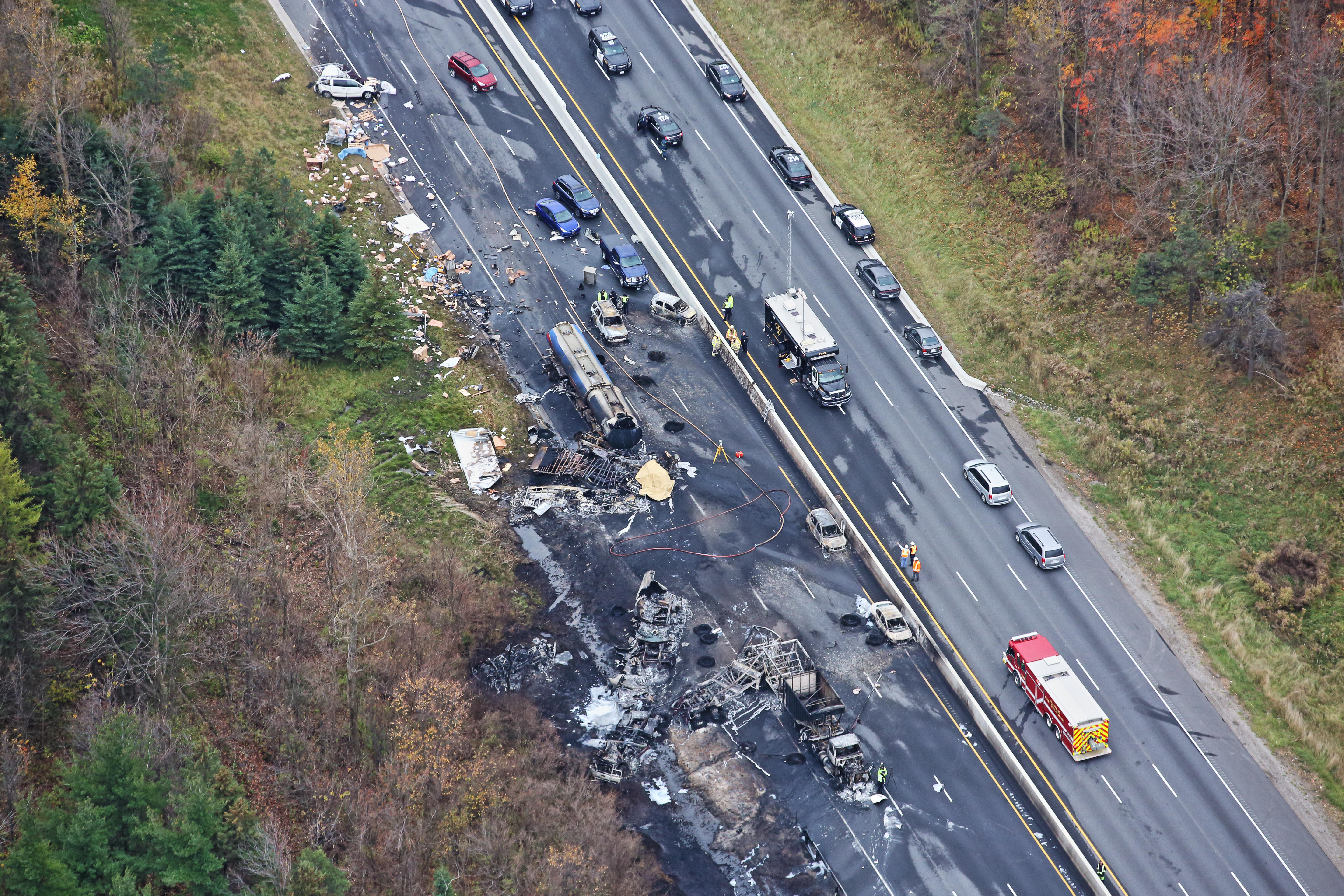 Father of 9 believed to be among 3 killed in fiery crash on