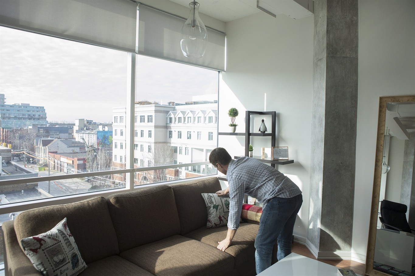 Renters and Airbnb landlords square off as Toronto considers new