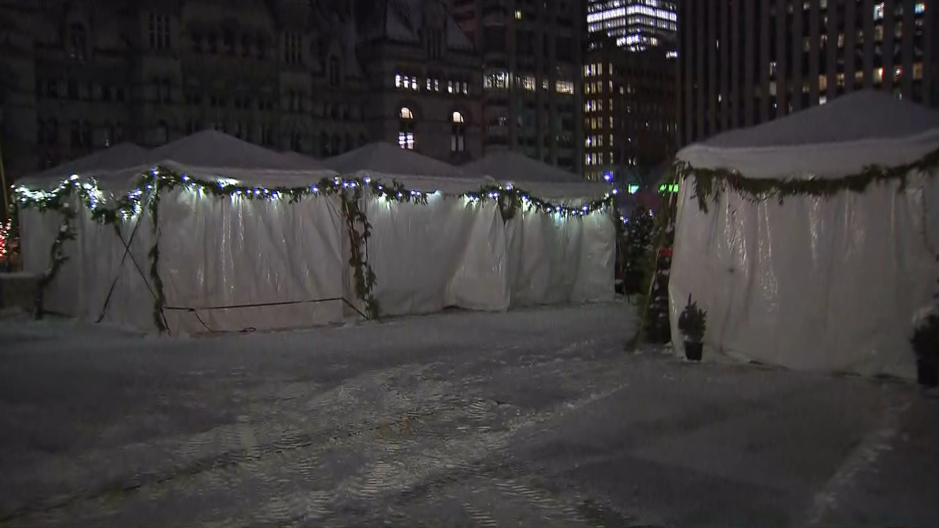 The Holiday Fair in Nathan Phillips Square is closed on Dec. 13, 2017, due to the cold weather. CITYNEWS