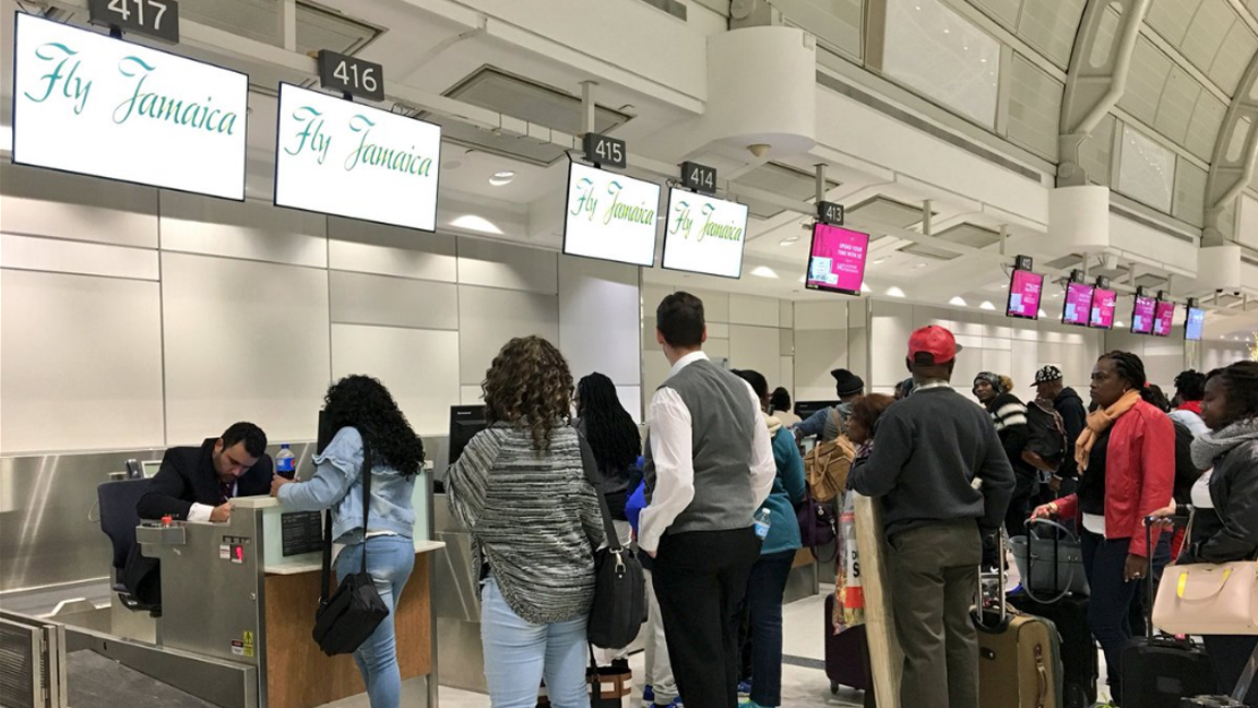 travelers flying to jamaica stranded at pearson airport. Black Bedroom Furniture Sets. Home Design Ideas