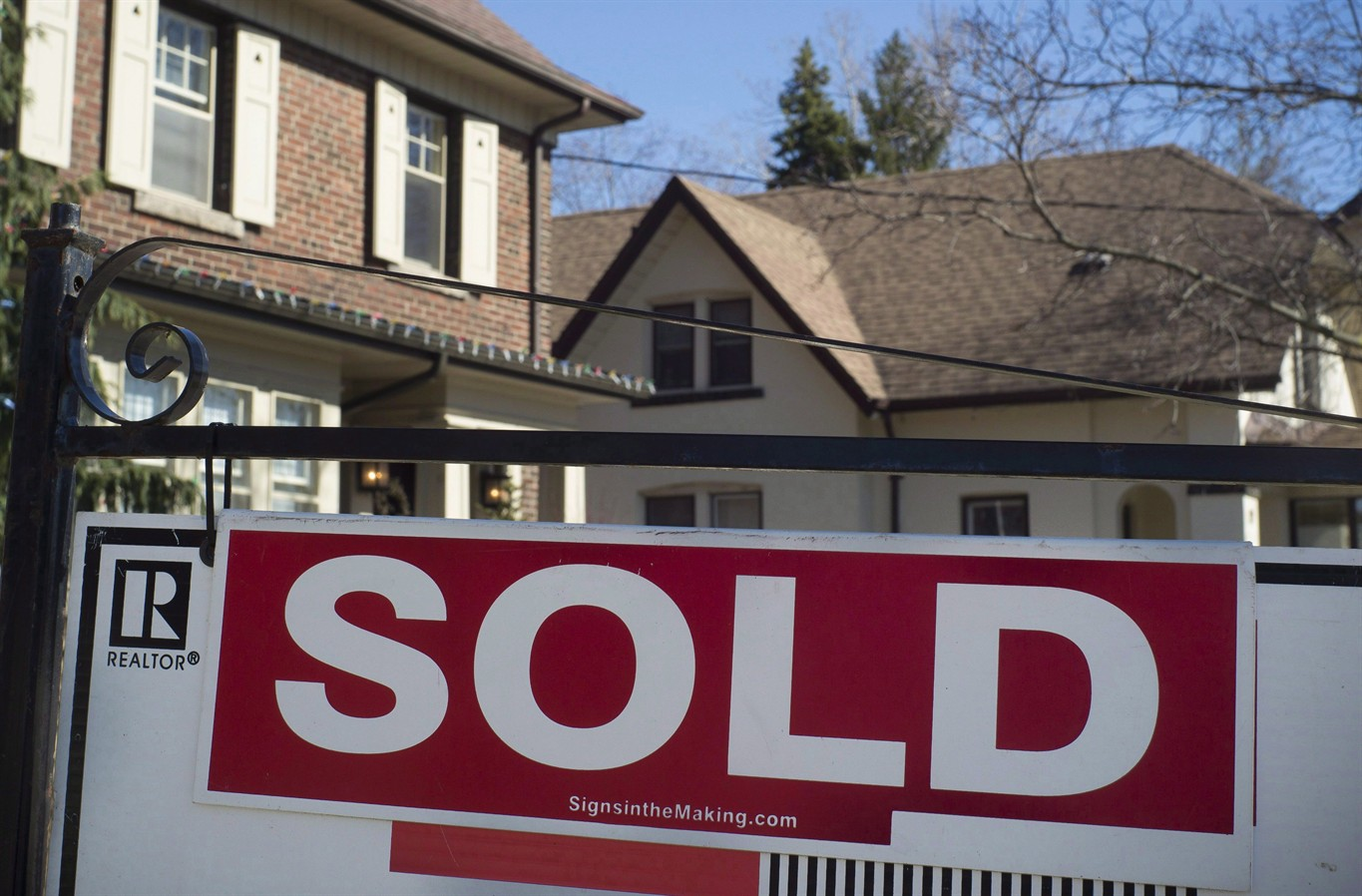 toronto home sales for 2017 down from 2016, average price up