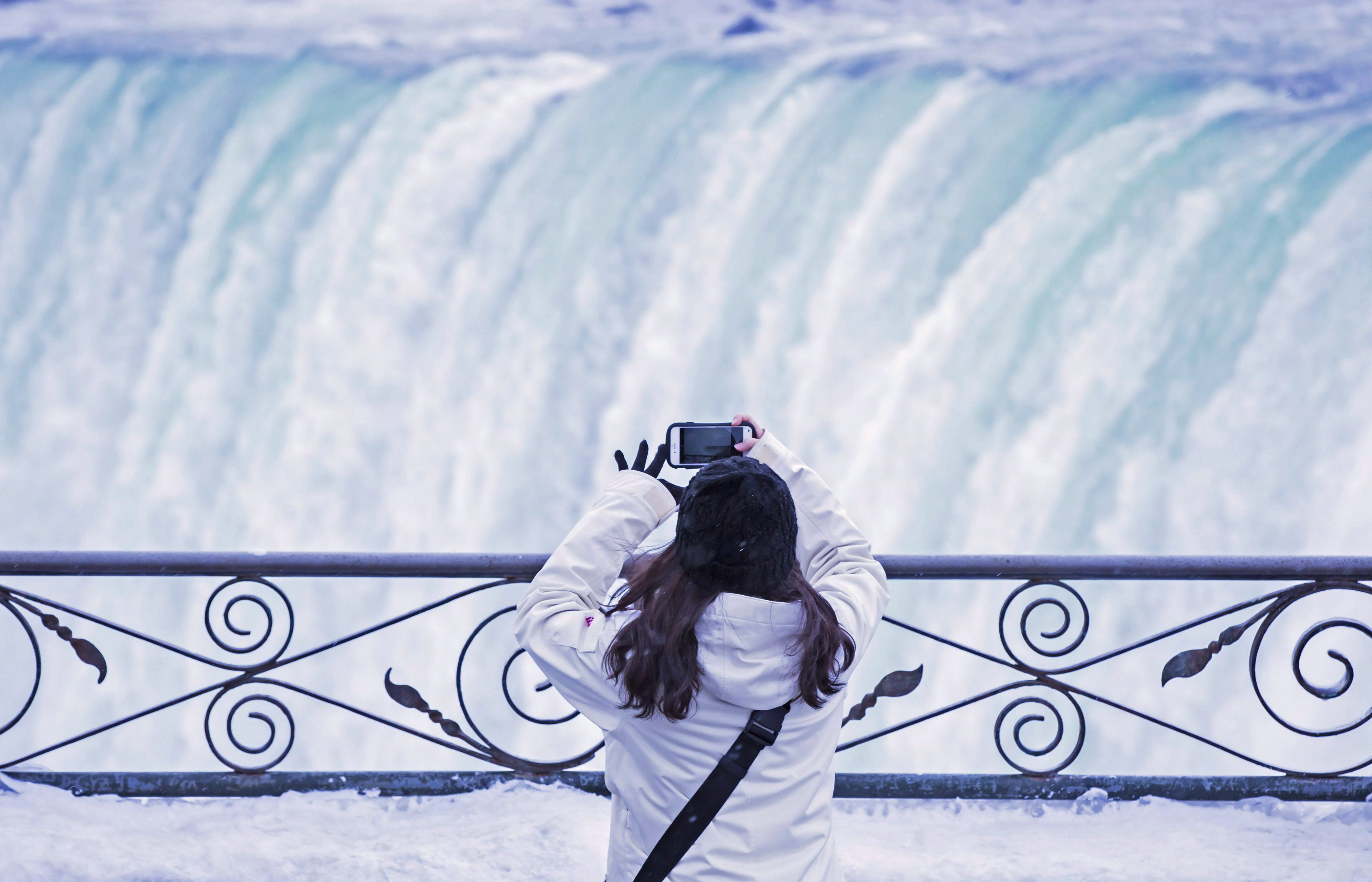 Niagara Falls A Winter Wonderland For Tourists During Cold