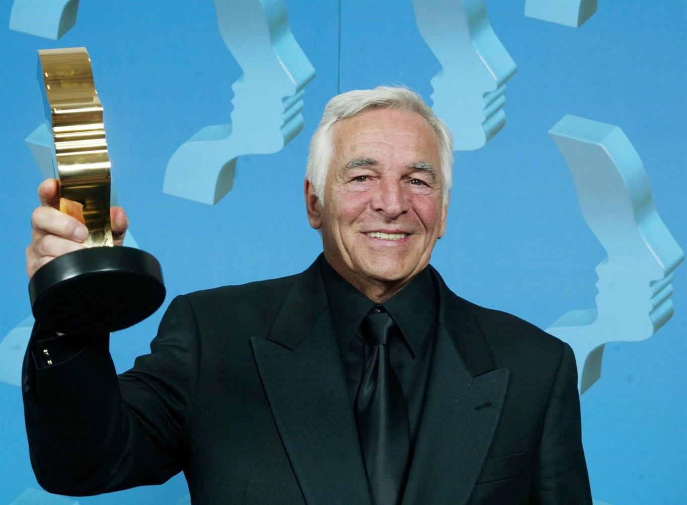 'Battlestar Galactica' and 'The Flash' Actor Donnelly Rhodes Dies Aged 80