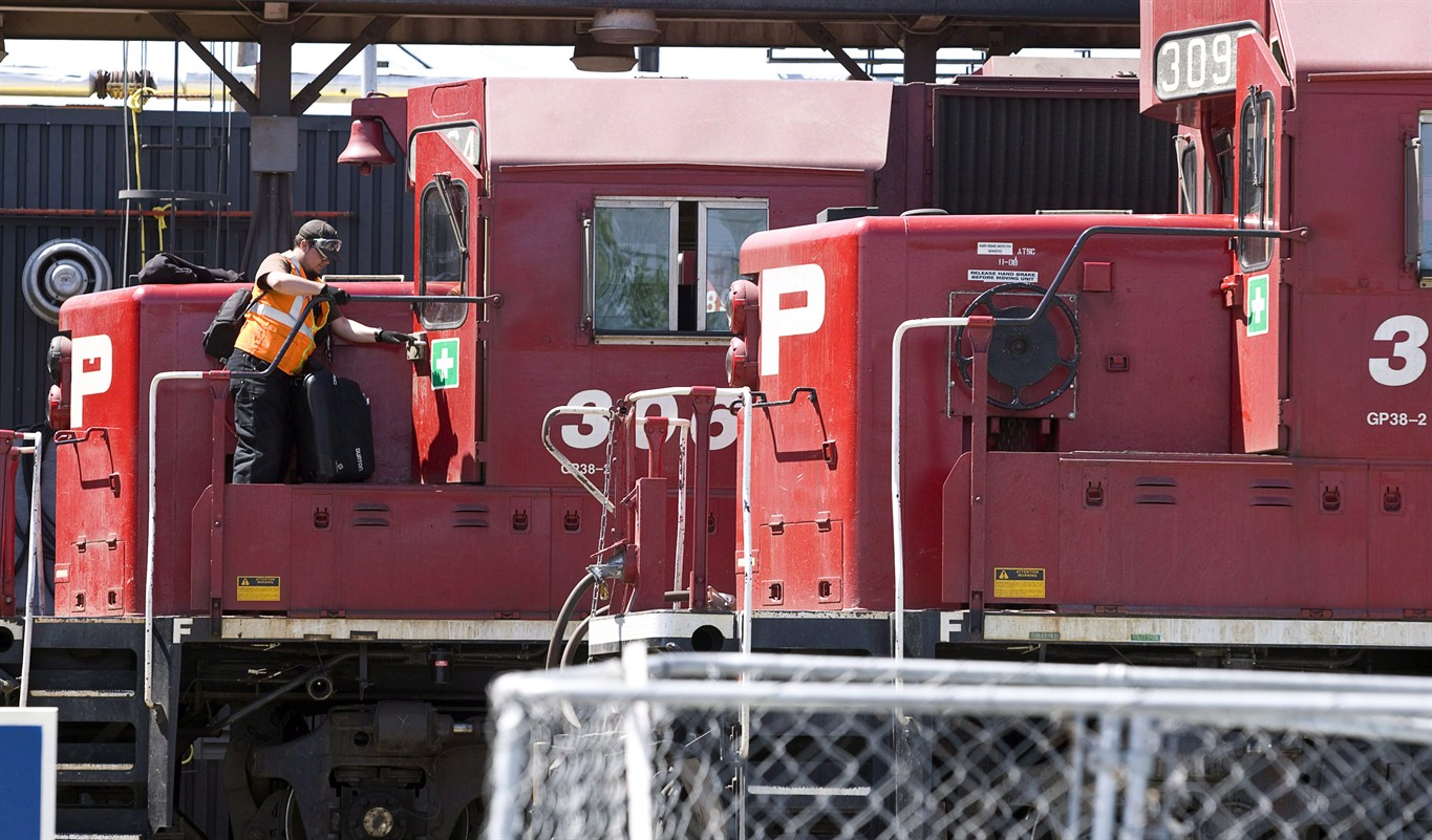 Unions representing CP Rail workers issue notice of strike action
