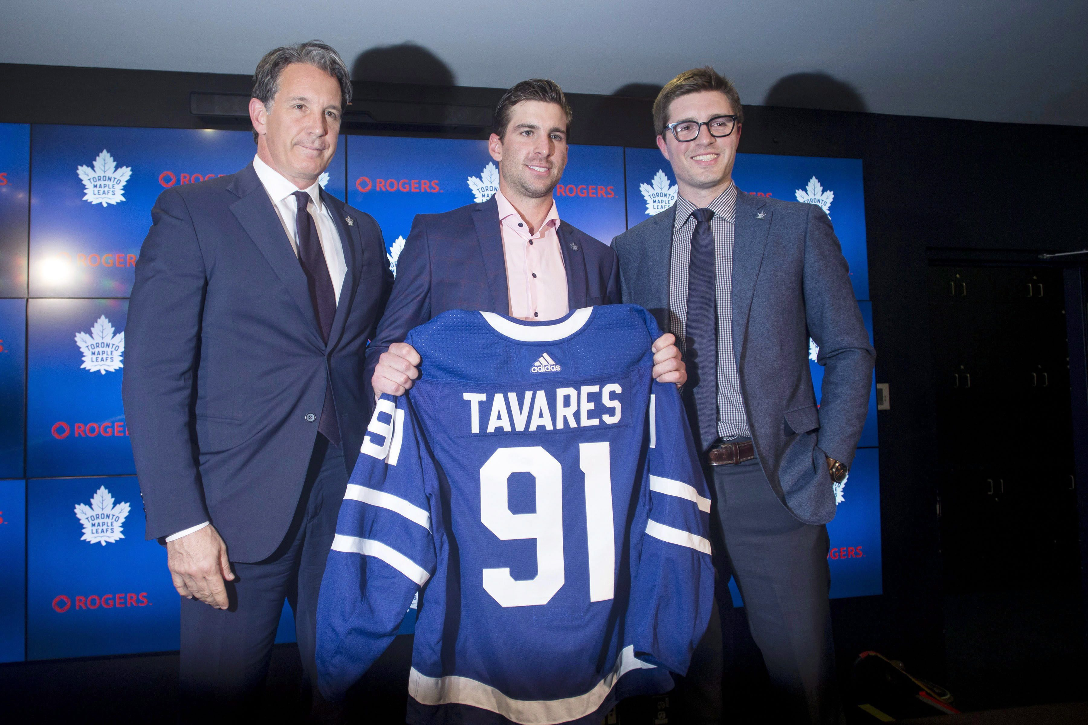 5653b5f959b Free-agent John Tavares signs 7-year deal with Toronto Maple Leafs