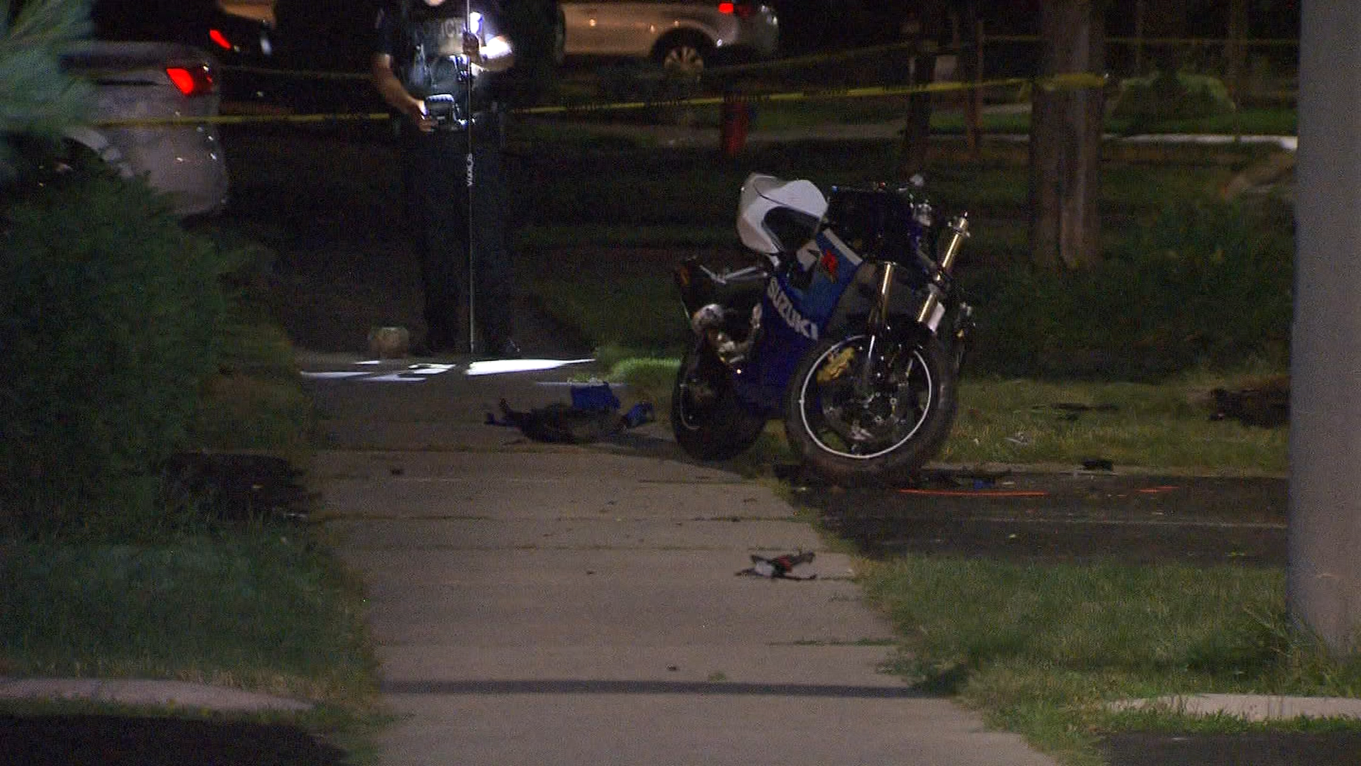 Motorcyclist dies of his injuries after hitting tree in Oakville