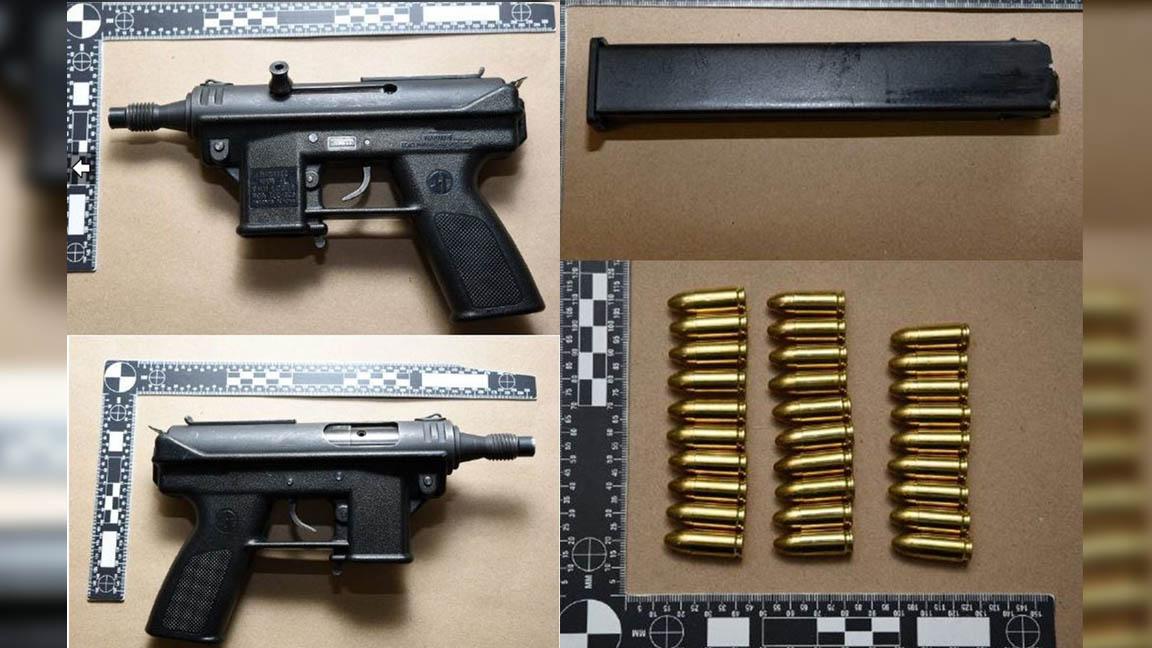 13 Men and a Gun
