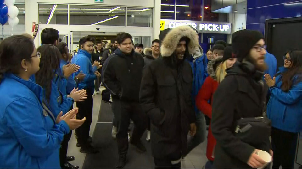 Shoppers Head Out Early For Black Friday Deals Citynews Toronto